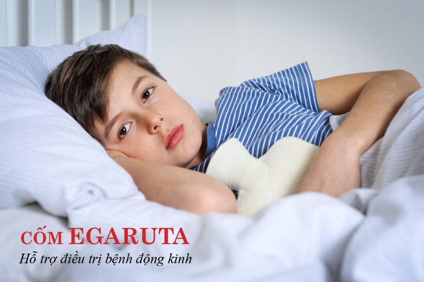 Có nhiều nguyên nhân gây co giật ở trẻ: rối loạn chuyển hóa, sốt cao, động kinh…